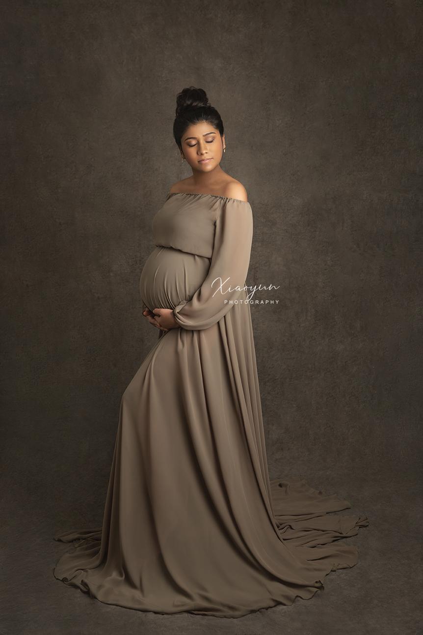 Earth Tone Maternity Style